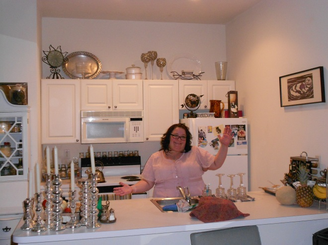 Look at me with the clean kitchen!!!!